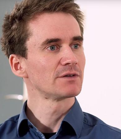 Gehirn vs Künstliche Intelligenz <br> wer ist klüger? - Exklusives Interview mit Dr. Henning Beck