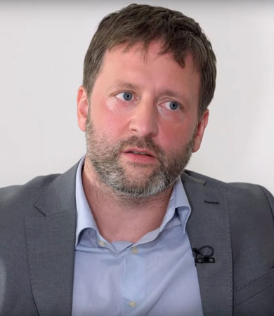 Wie reich darf man sein?<br>Über Gier, Neid und Gerechtigkeit - Exklusives Interview mit Prof. Dr. Christian Neuhäuser