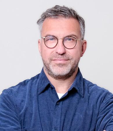 Mit E-Mail Marketing Umsatz steigern<br>und Kunden gewinnen - Exklusives Fachinterview mit Uwe-Michael Sinn